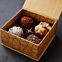 4 stones gift box thumbnail
