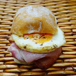 Bacon and egg slider - mini thumbnail