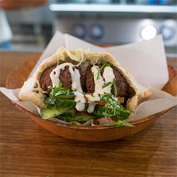 Green falafel pita pocket thumbnail