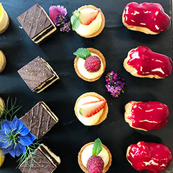 Assorted petit fours thumbnail