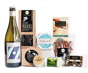 New Mum cheese and wine hamper thumbnail