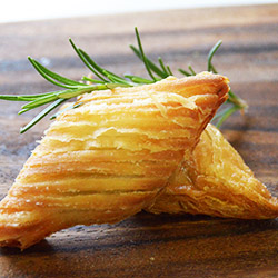 Spinach and cheese filo parcels  thumbnail