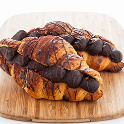 Chocolate croissant thumbnail