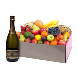 Fruit hampers with Clover Hill Classic - large thumbnail