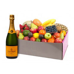 Fruit hampers with Veuve Classic - large thumbnail