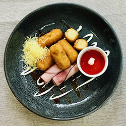 Ham and cheese croquettes thumbnail
