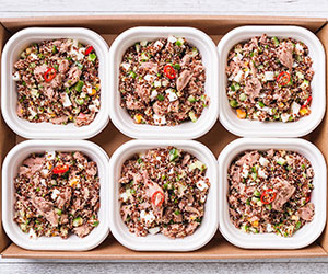 Spicy tuna and quinoa salad thumbnail