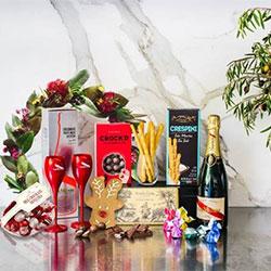 G.H Mumm champagne and flutes thumbnail