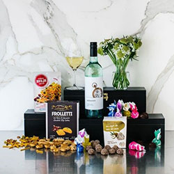 Sauvignon blanc sweet treats gift hamper thumbnail