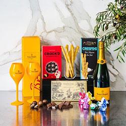 Veuve Clicquot champagne and glasses gift hamper thumbnail