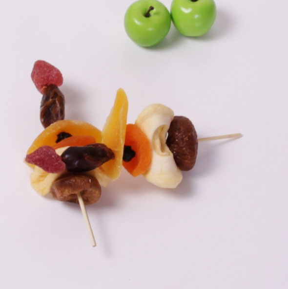 Dried fruit skewer thumbnail