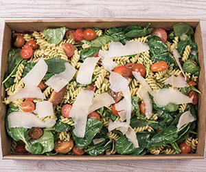 Classic pesto pasta salad thumbnail