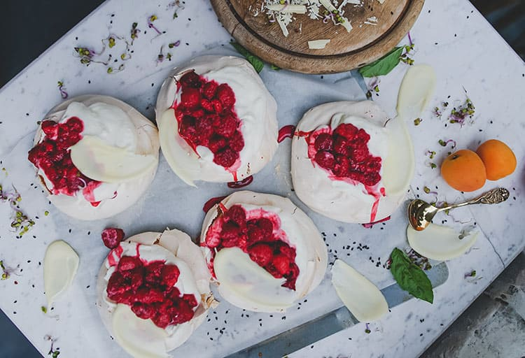 Christmas finger food ideas - mini pavlova