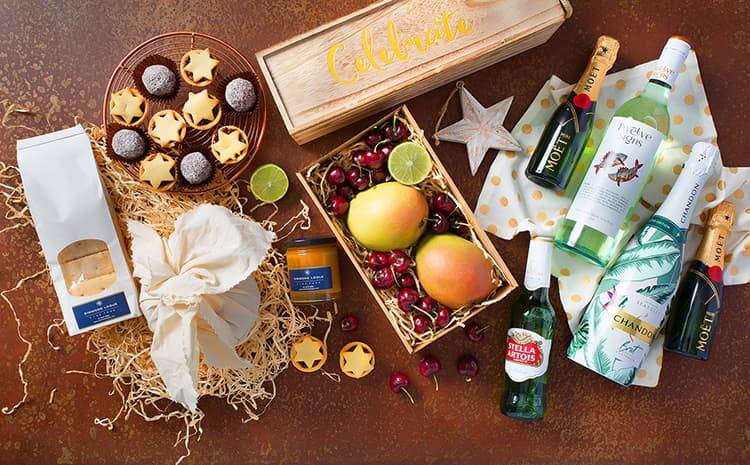 deliciously festive Christmas hampers and gifts