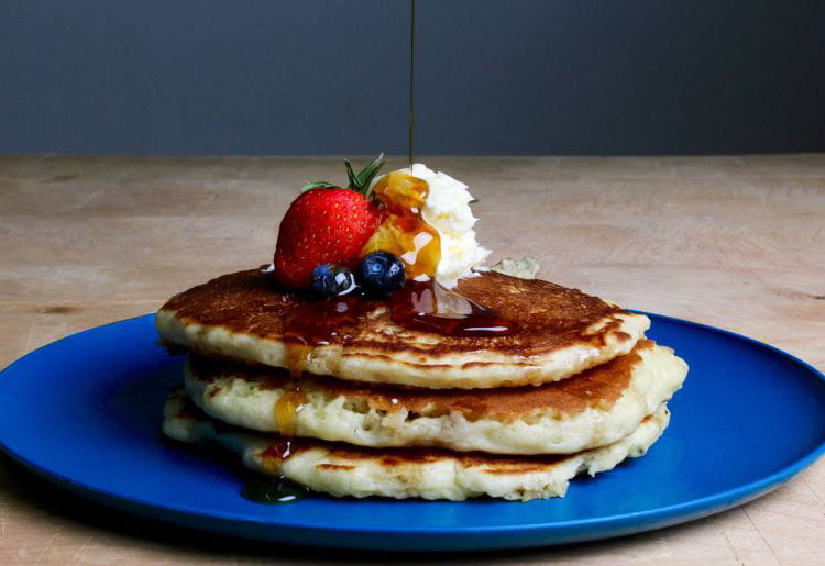winter comfort food ideas - pancakes with berries and cream